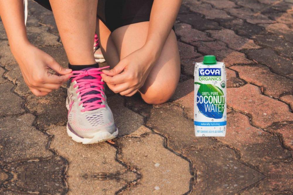 deporte y agua de coco