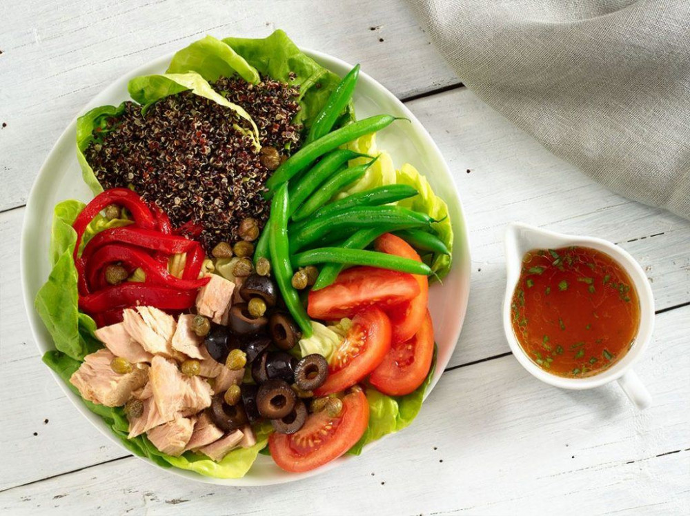 tuna-and-quinoa-nicoise-salad